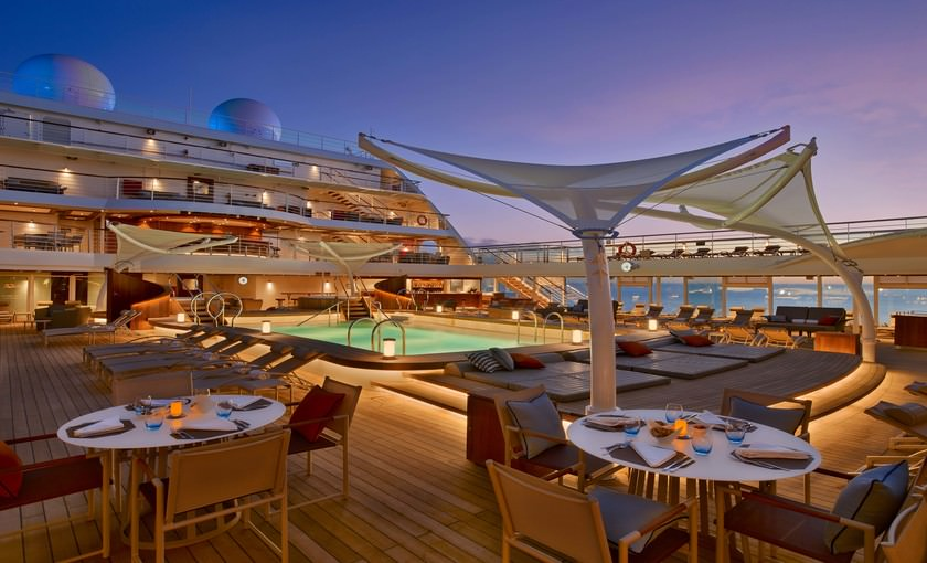 Pooldek op cruiseschip Seabourn Encore