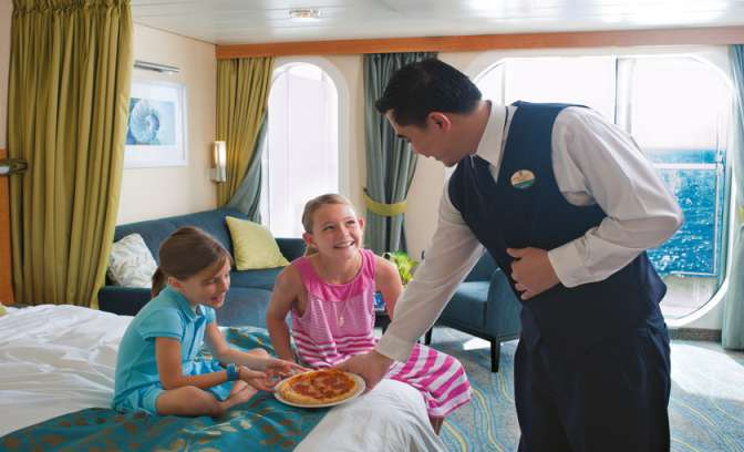Roomservice aan kinderen op de Allure of the Seas van Royal Carribean